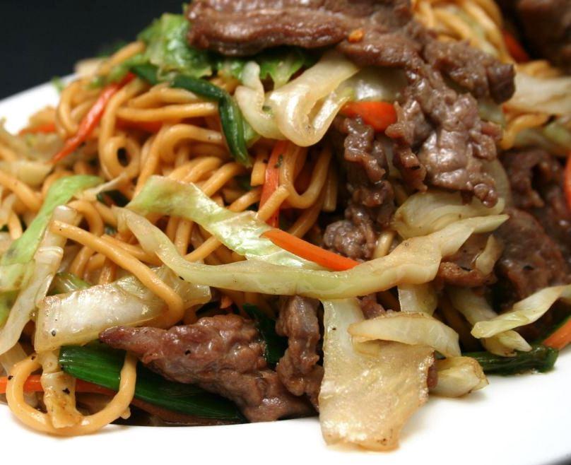 Para un apuro fideos de arroz con verduras y carne for Cocinar fideos de arroz