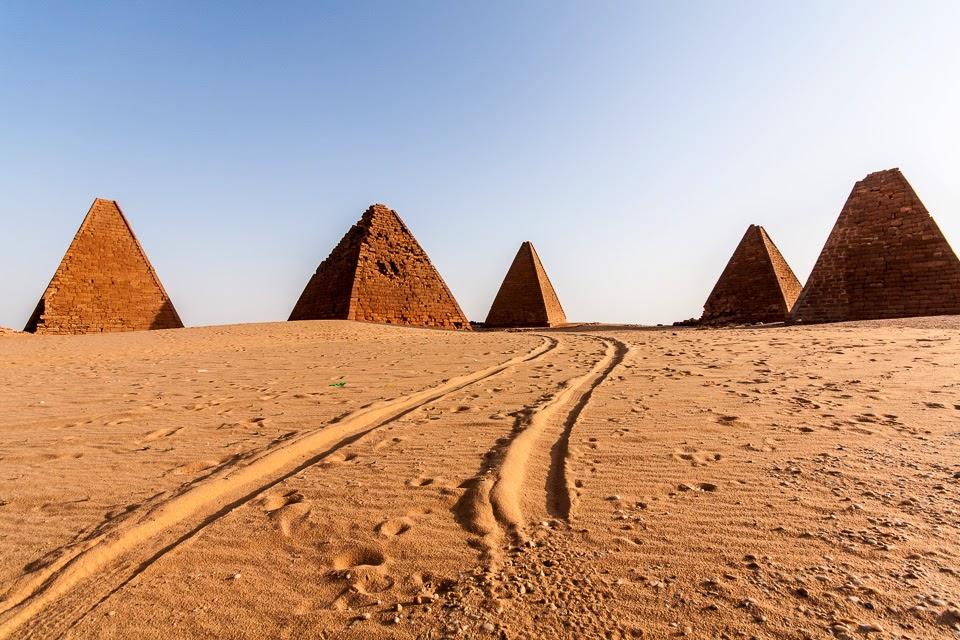 a fekete fáraók piramisai Kerimában