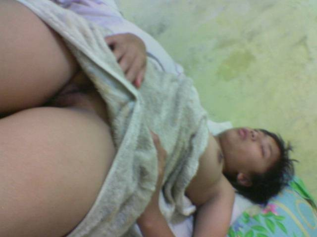 foto aneka gaya vulgar abg kalo sedang tidur tante cindy imut