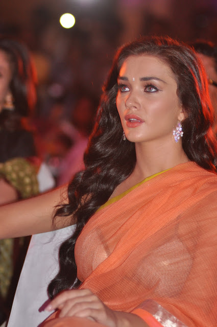 Amy Jackson Latest Spicy Stills