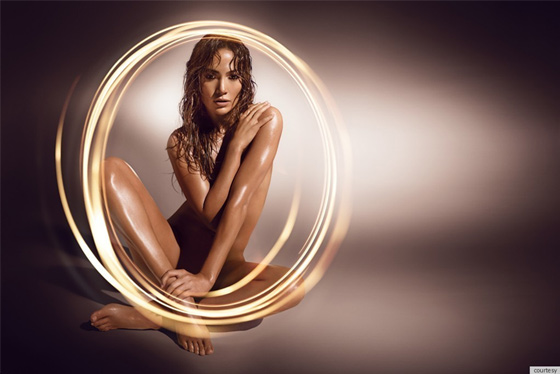 Glowing, Jennifer Lopez nue et sexy