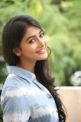 Pooja hegde gorgeous photo shoot-thumbnail-35
