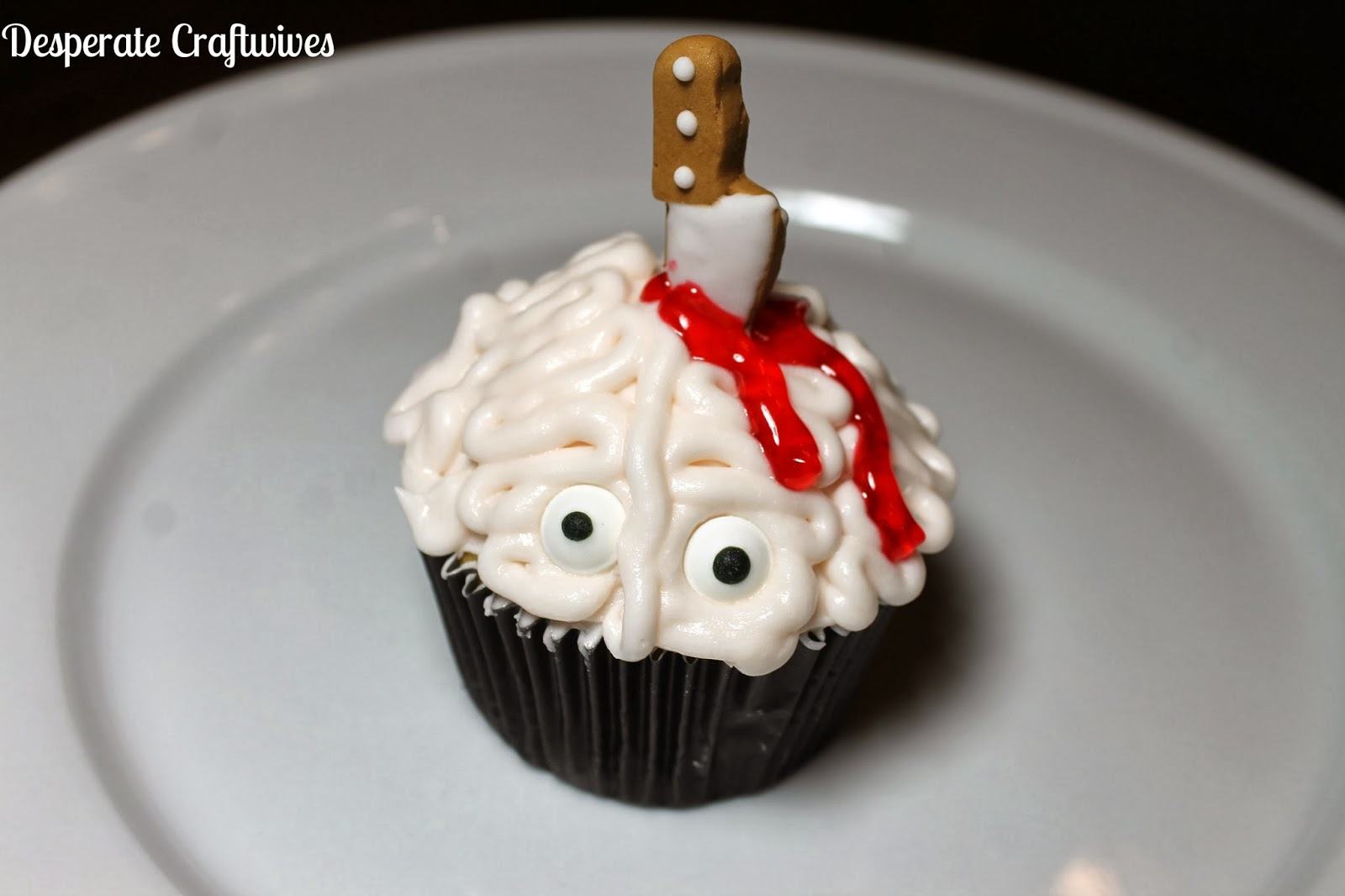 "Desperate Craftwives: ""Stabbed in the Brain"" Cupcakes"