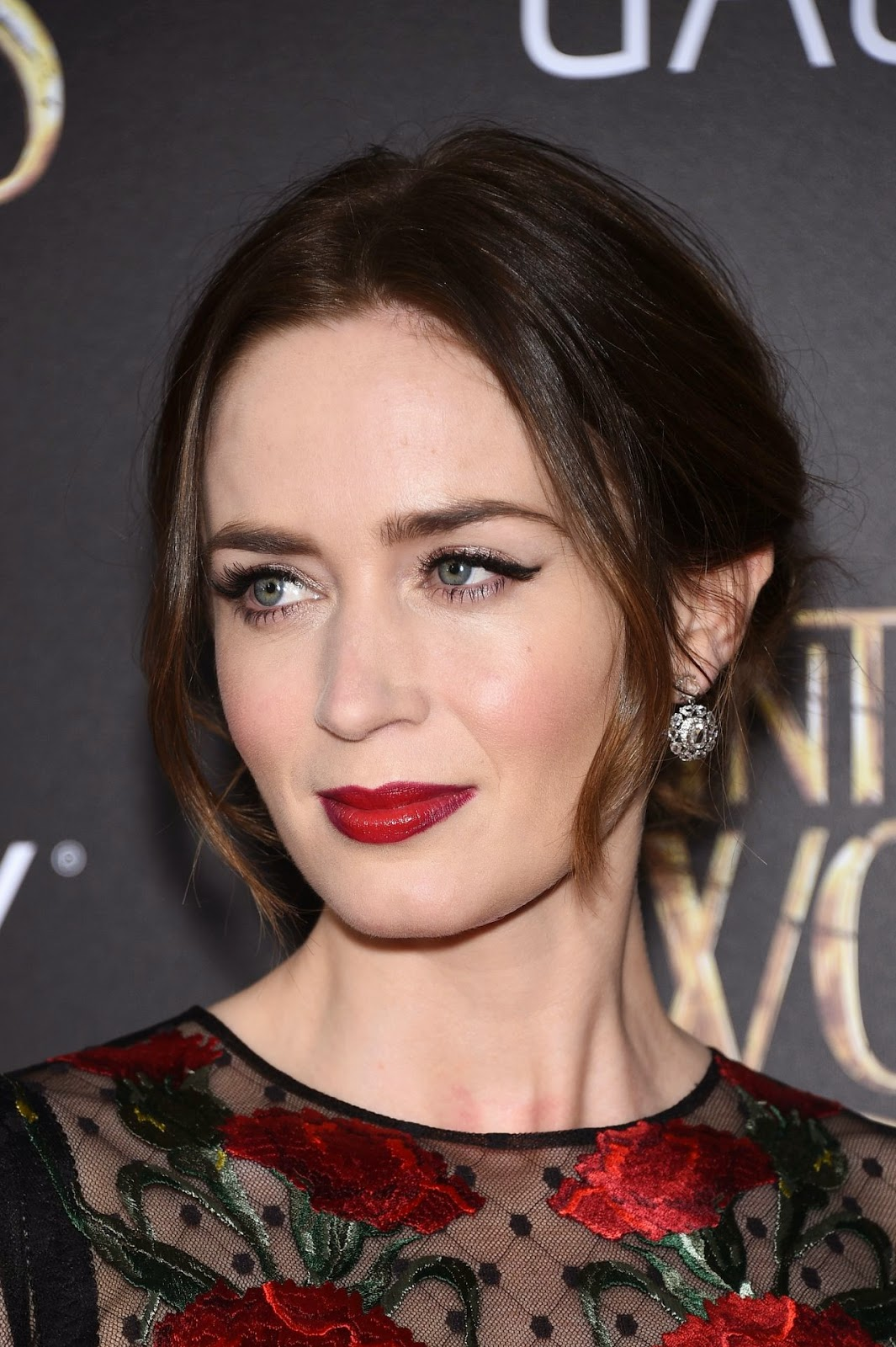 Emily Blunt is glamoro...