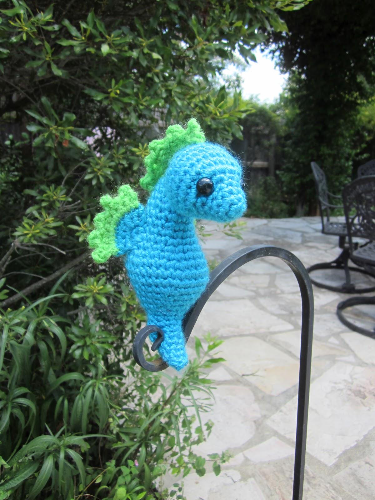 Crochet Amigurumi Seahorse Free Pattern : Lemmy Loop: Seahorse Amigurumi