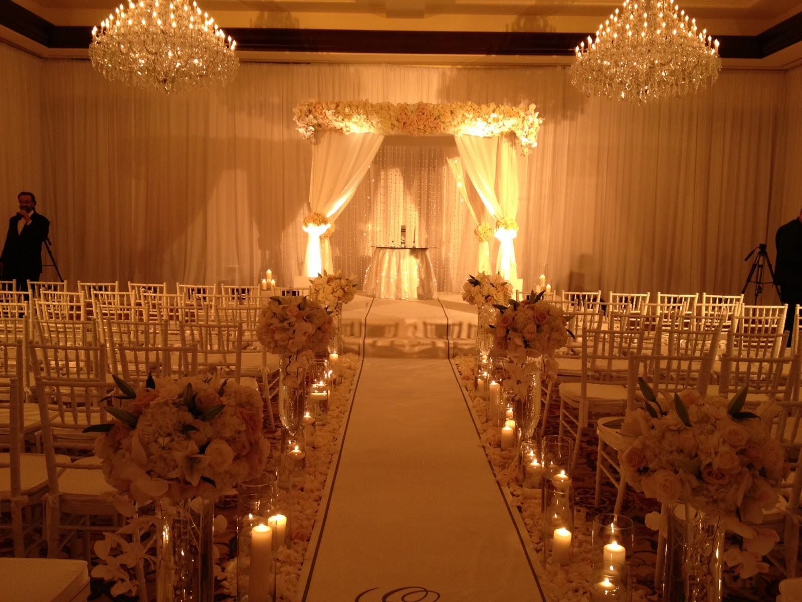 Mary dann 39 s blog a spectacular wedding at four seasons for Indoor light decoration ideas