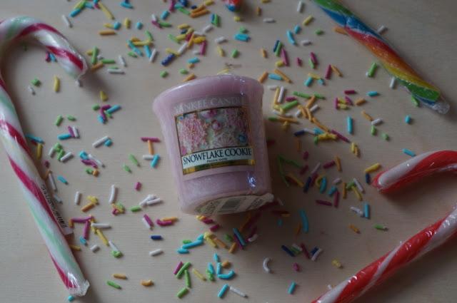 Snowflake Cookie Yankee Candle - aromat świątecznych ciasteczek zamknięty w samplerze