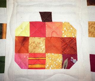mini quilt pumpkin detail