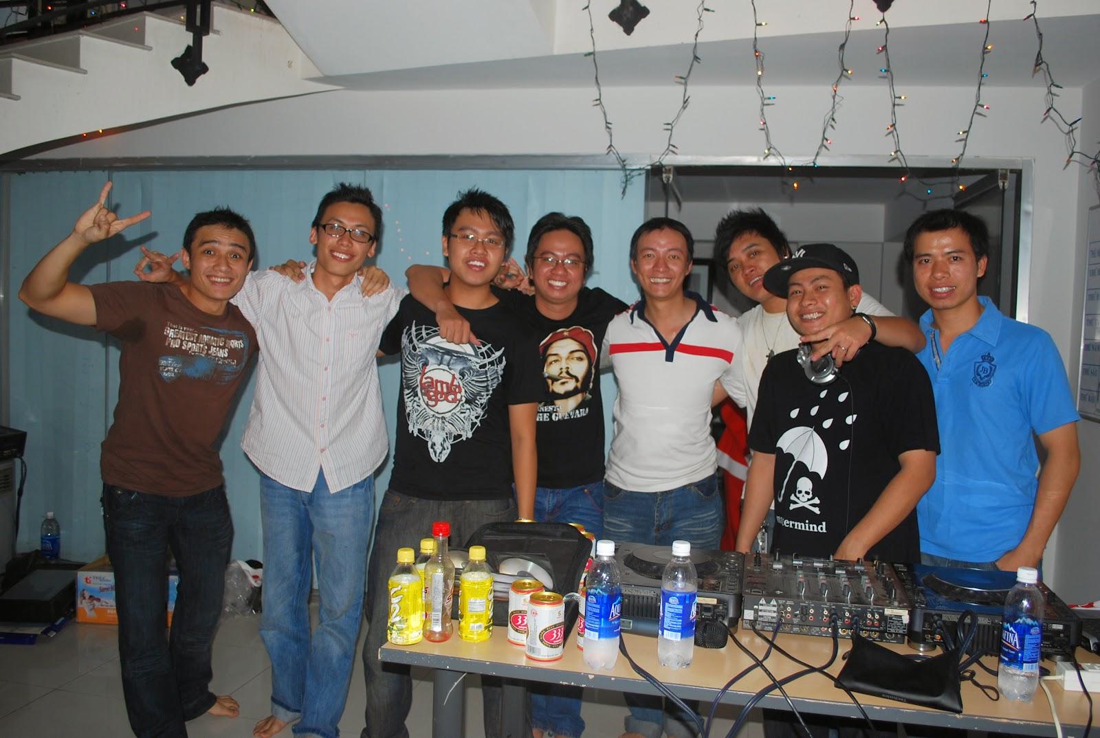 hoi-ngo-yan-staff-yeuamnhac-www.c10mt.com