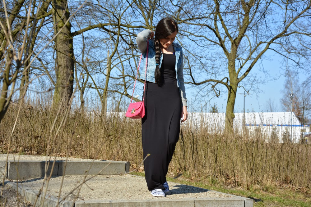 długa czarna suknia