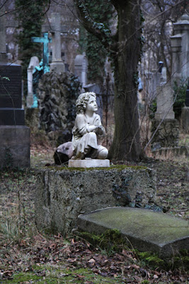 Grabfigur am Südfriedhof München