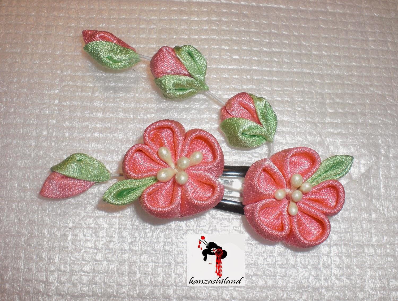 Peach blossom kanzashi