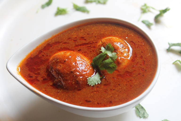 Egg Curry Recipe / Egg Kuzhambu Recipe