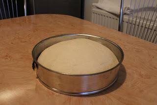 kenyértészta formában