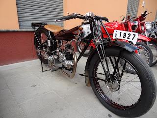 Historia De La Moto.-http://1.bp.blogspot.com/-MwDGXnItPGo/UDzkKega_kI/AAAAAAAAACQ/p6NCJuYcdoQ/s320/DSC00500.jpg