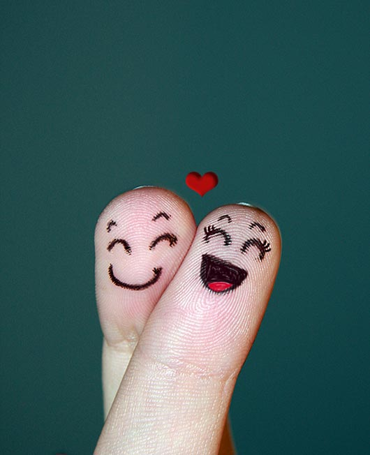 Finger faces :Display pics   Awesome - 32.0KB