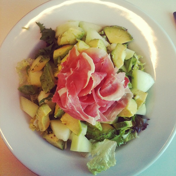 healthy lunch salad prosciutto avocado melon