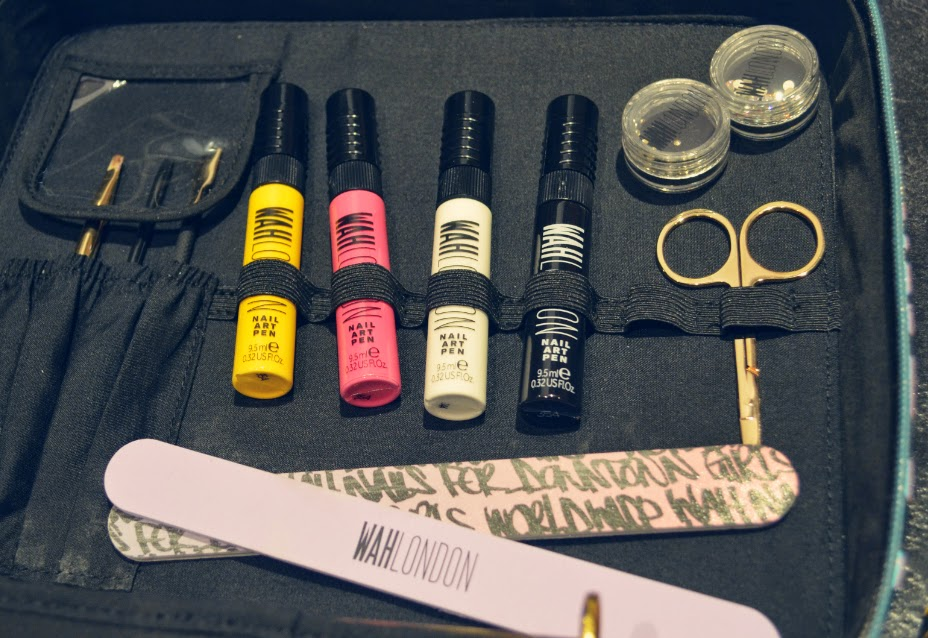 Ever so juliet uk lifestyle beauty baking blog wah london the nail art pens come in black white hot pink and yellow and are ace each pen has a double function so you can either pull the cap off and use prinsesfo Images