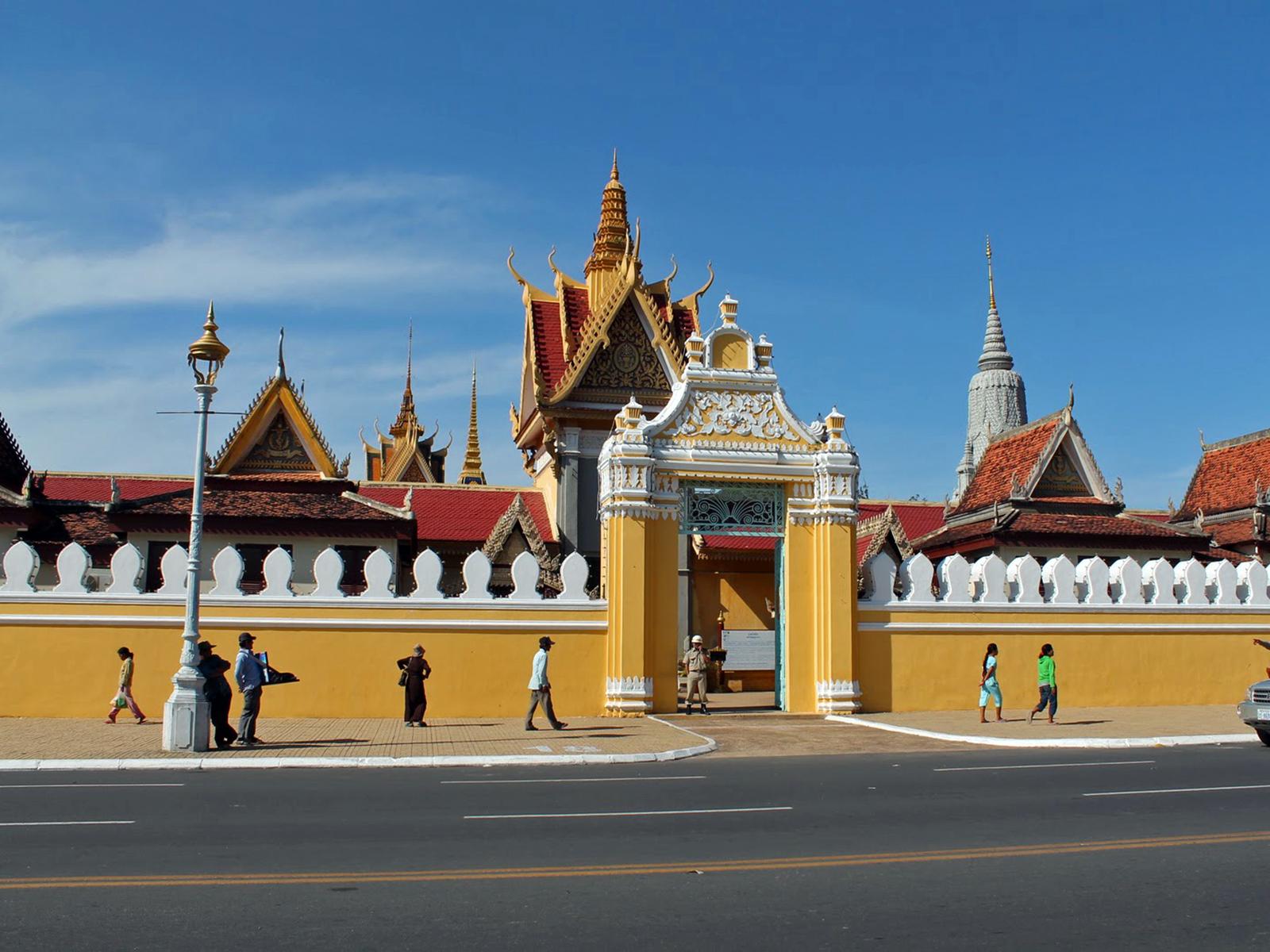 Très Le Palais Royal de Phnom Penh et la Pagode d'Argent - Cambodge GB72