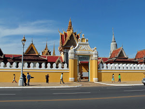 Entrance to the Royal Palace in Phnom Penh (Cambodia)