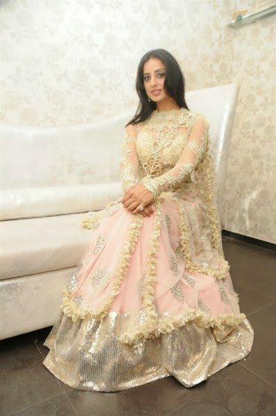 Mahie Gill Gets Gang of Ghosts Makeover