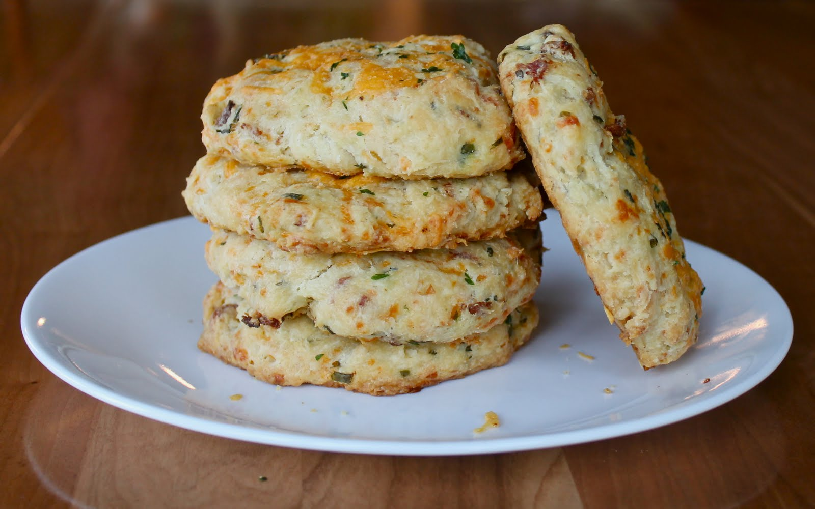 Yammie's Noshery: Cheddar Bacon Biscuits