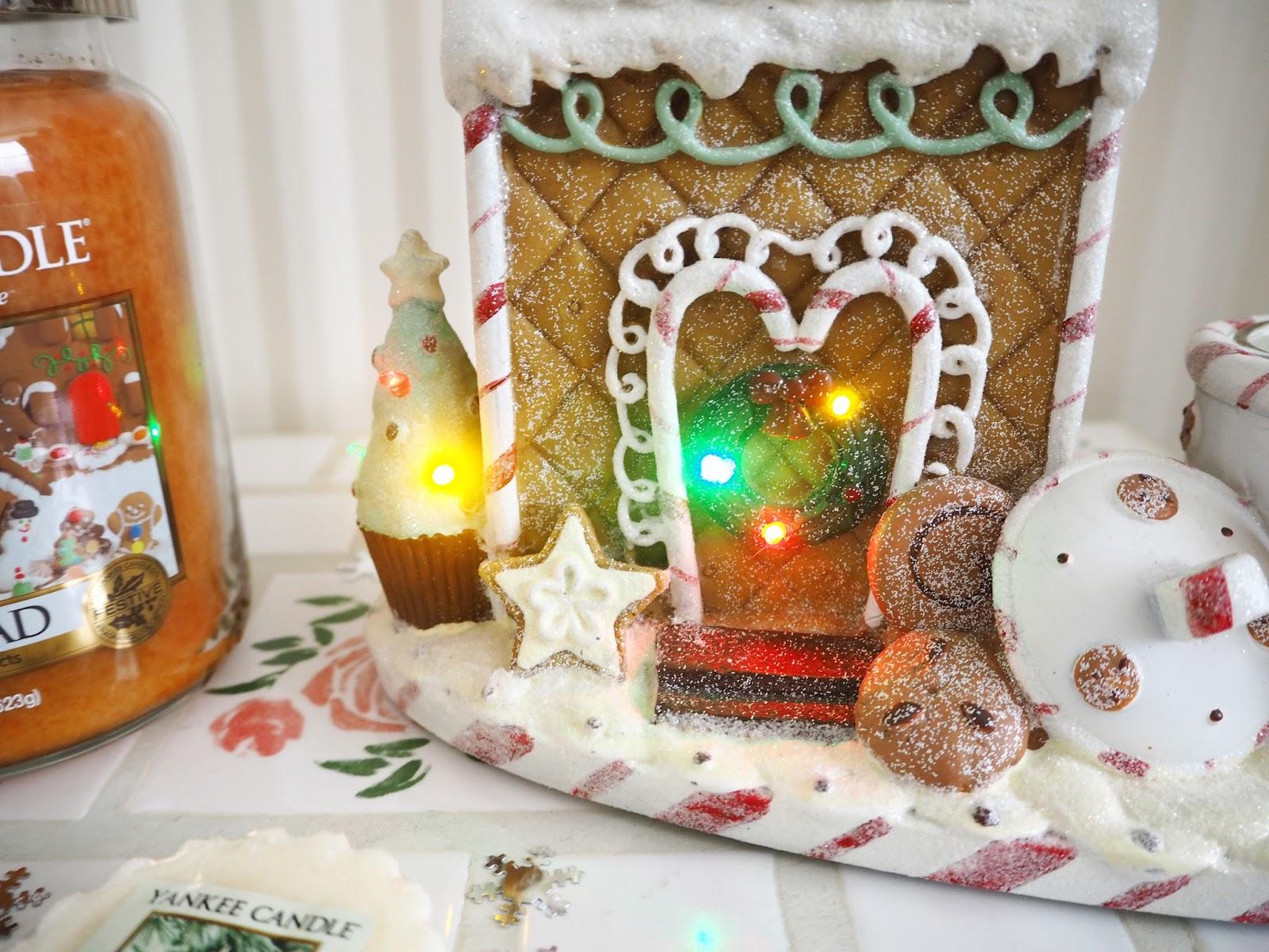 My Christmas Yankee Candles Gingerbread Melt Warmer | Katie Kirk Loves