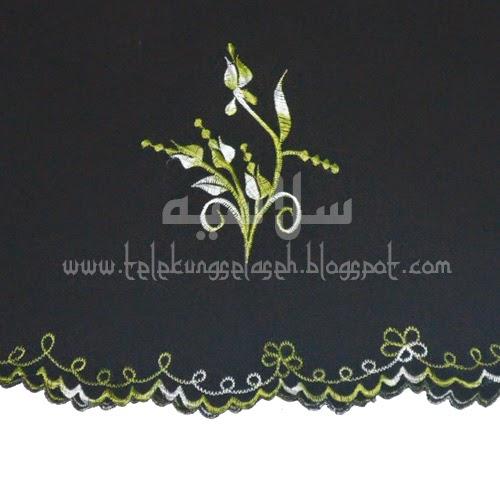 Telekung Vietnam tanah hitam, bunga hijau lumut sulam bunga timbul