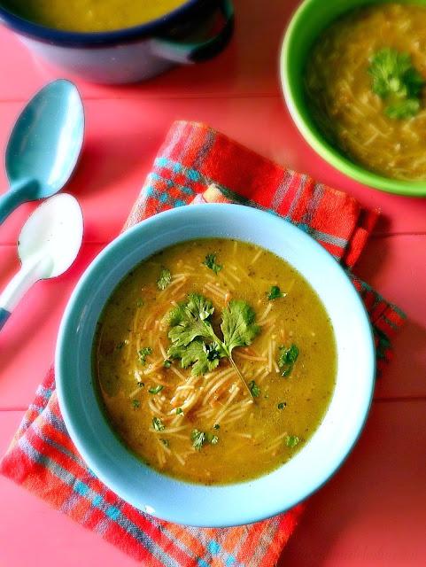 Sopa de Fideo Verde - lacocinadeleslie.com