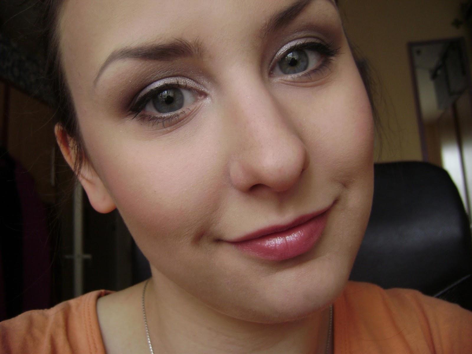 Wonderlie Make Up Rozświetlający Makijaż Dzienny Wyniki Konkursu