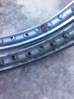 """Llantas de aluminio de 1.6 x 19"""" de una Montesa Impala"""