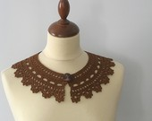 Brown Lace Collar
