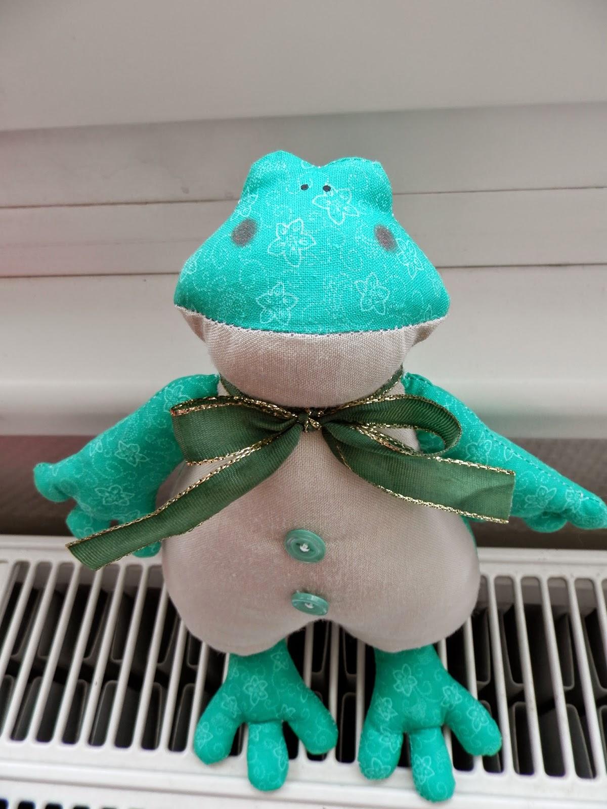 Coton et Création : grenouille Tilda
