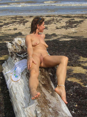 mature lady naked on beach