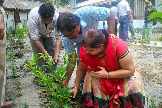 Planting fruit trees on birthdays can be a very enjoyable activity as experienced by Deen Dayal Joshi of Shiv Shakti Transports Kolkata