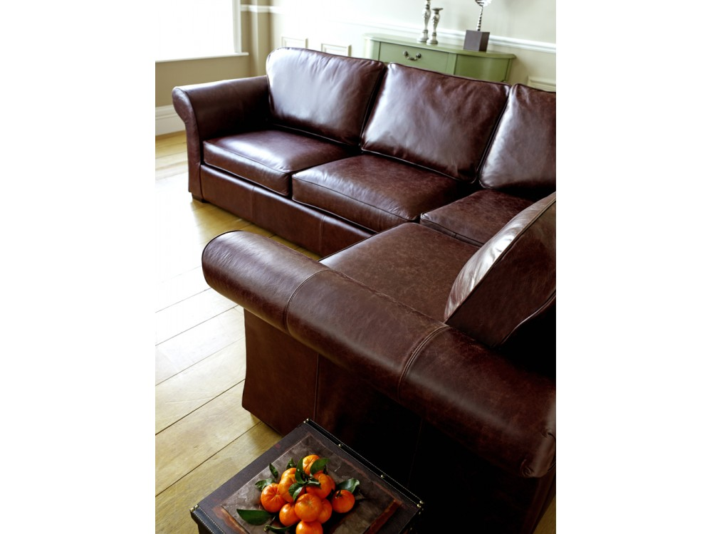 This Quality Leather Corner Sofa Is Curly On So If You Re Interested Then Be Sure To Click Here Before The Offer Ends
