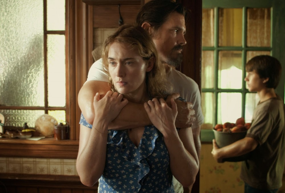 Kate-Winslet-Josh-Brolin-and-Gattlin-Griffith-in-Labor-Day-2013-Movie