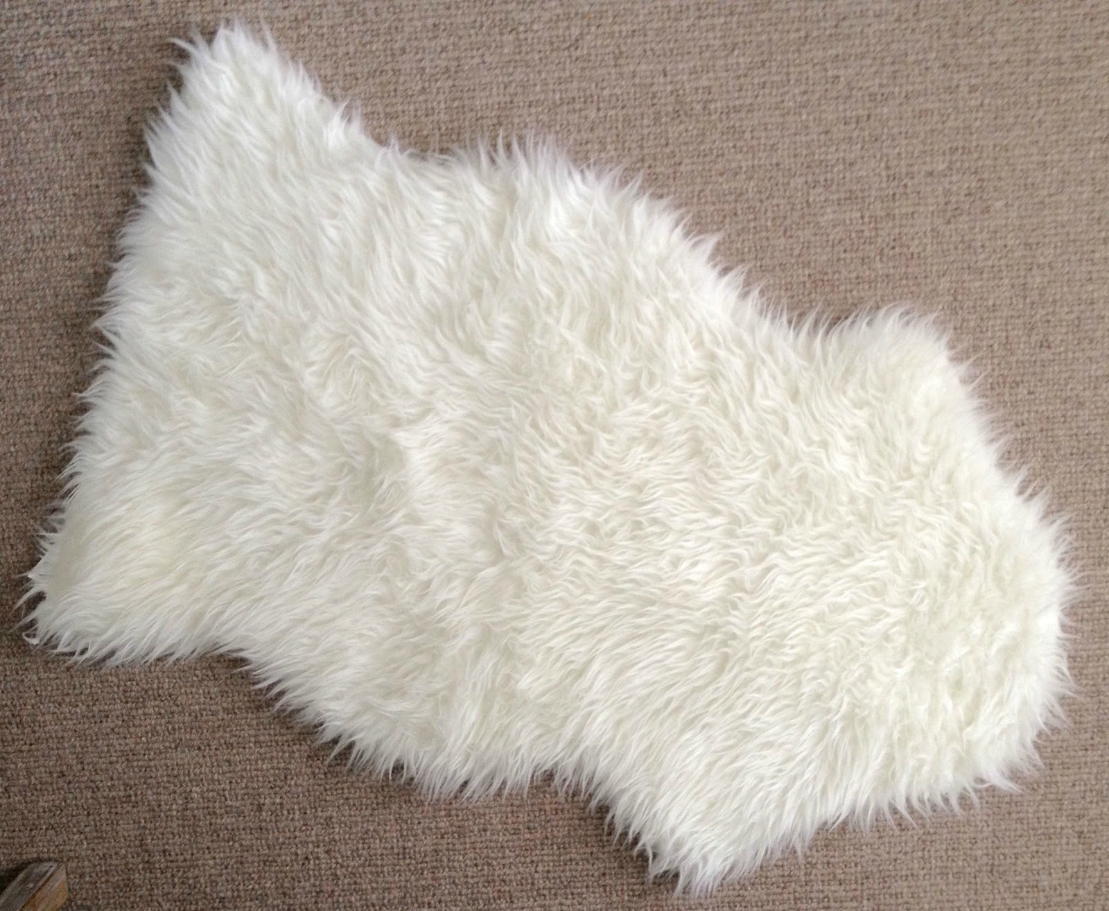 diy faux sheepskin pillow driven by decor