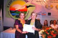 Maria Inês Bunning recebeu a Comenda Lena Madesin Phillip, da presidente BPW Brasil, Arlete Zago