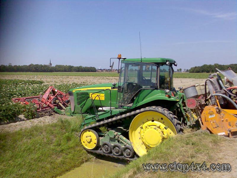 Farm Tractor Pto Accidents : Tractors farm machinery john deere accident