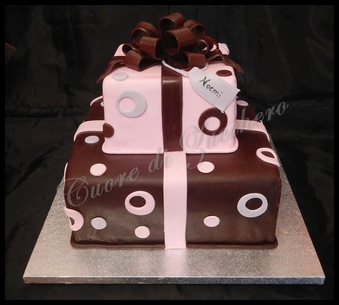 torta pacco regalo - gift box cake