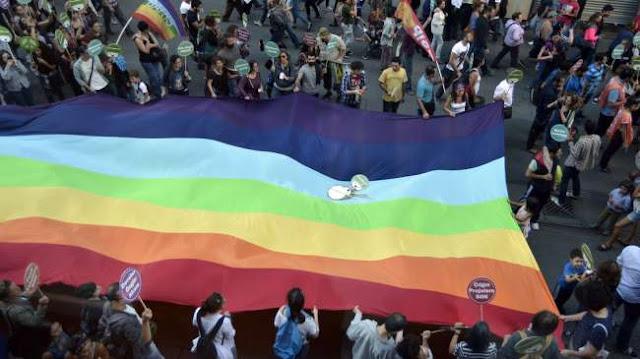 India Luncurkan Layanan Taksi Khusus LGBT