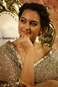 Sonakshi Sinha at Lingaa Audio-thumbnail-6