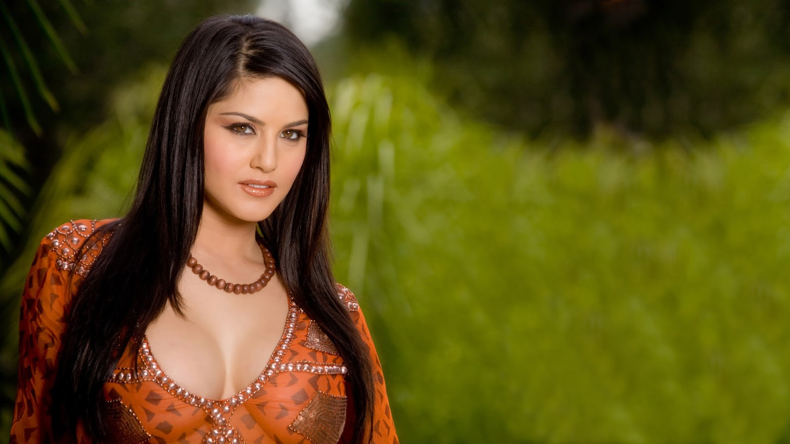 Cool funny pictures sunny leone non nude but hot full hd wallpapers - Sunny leone full hd wallpaper ...
