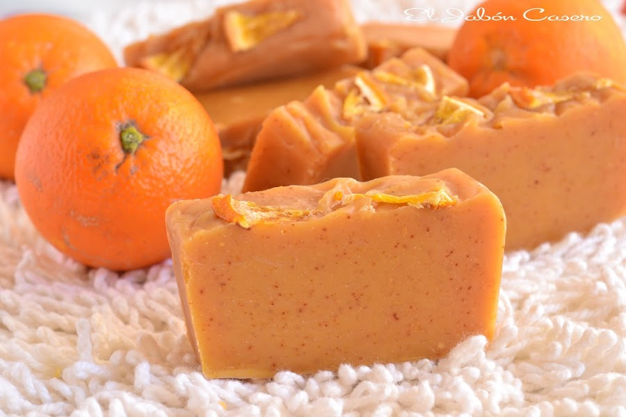 curso de jabones naturales con naranjas frescas