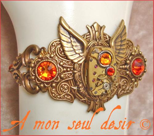 bracelet steampunk mouvement de montre mécanique mécanisme bronze horlogerie ailes strass Swarovski