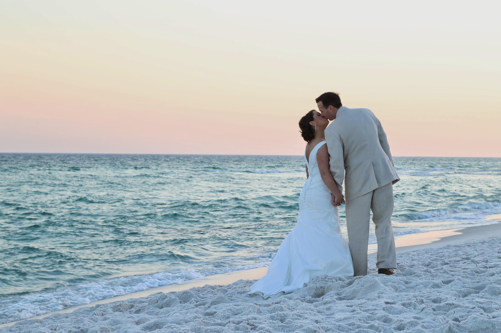 Professional beach wedding photographer for Pensacola Beach