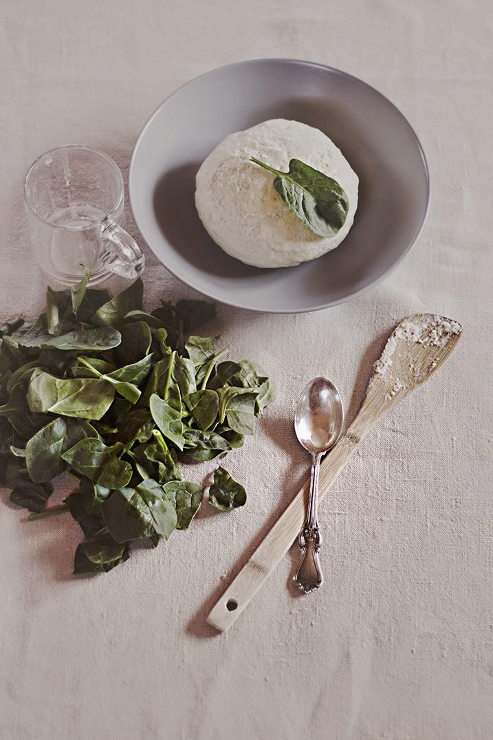 Spinach pizza - Cazadora de inspiración © Anna Tykhonova
