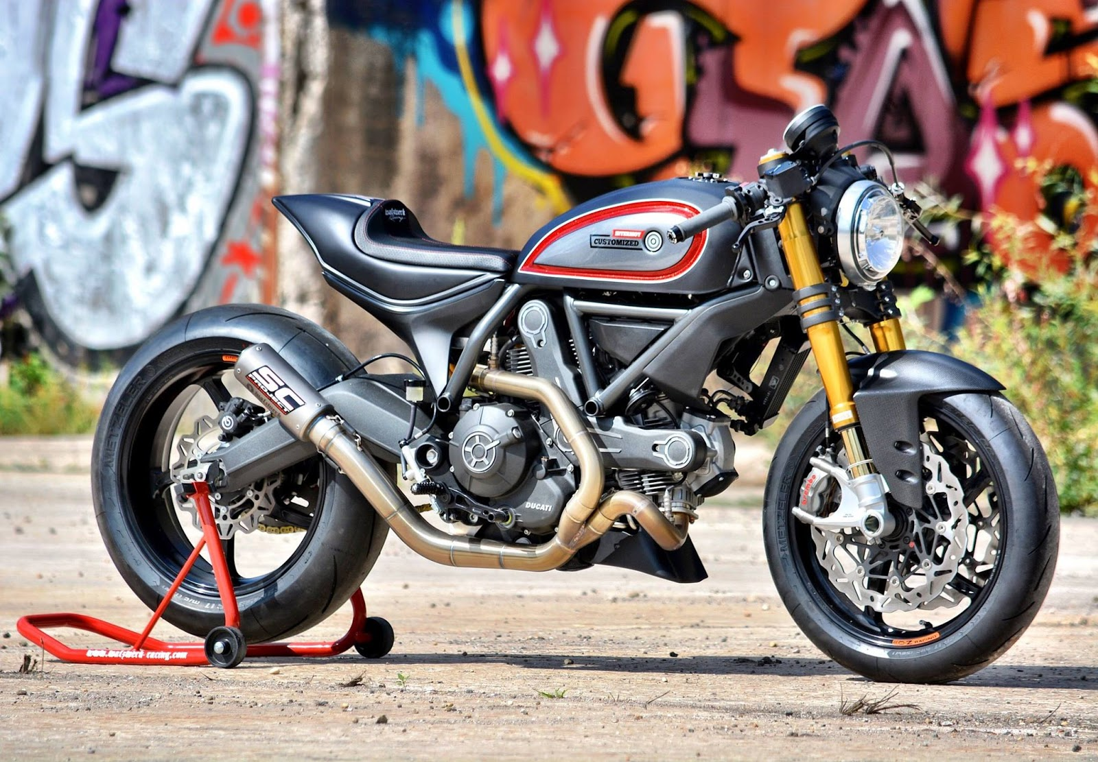 ducati scrambler walzwerk racing rocketgarage cafe racer magazine. Black Bedroom Furniture Sets. Home Design Ideas
