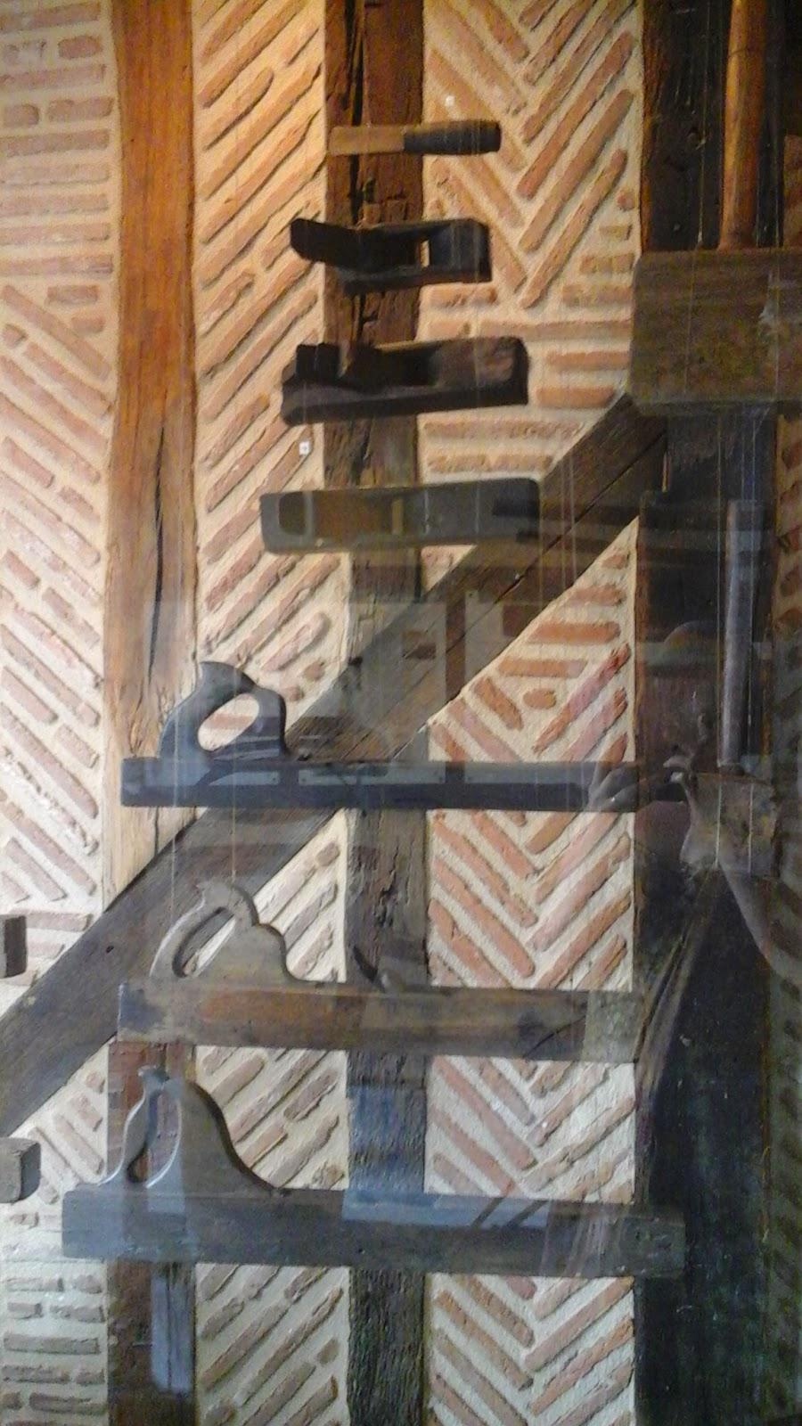 medieval, wood, beams, tiles, bergerac